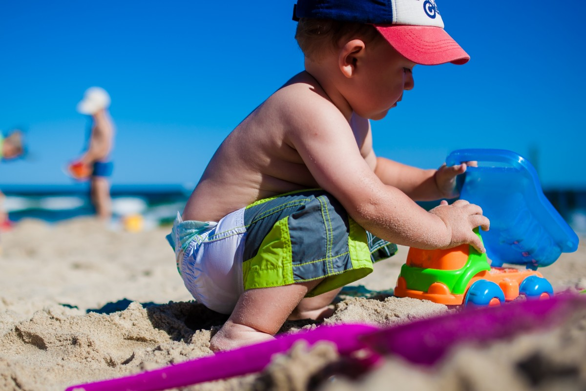 Safety in the sun for children on villa holidays