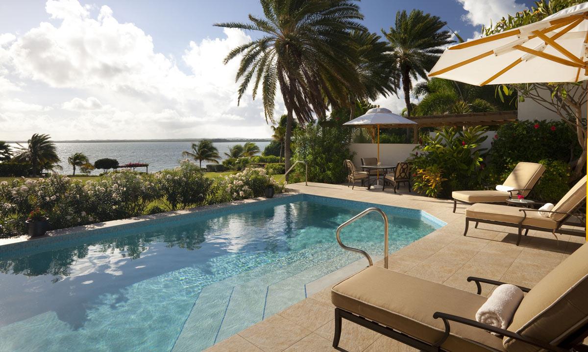villa holiday or hotel getaway